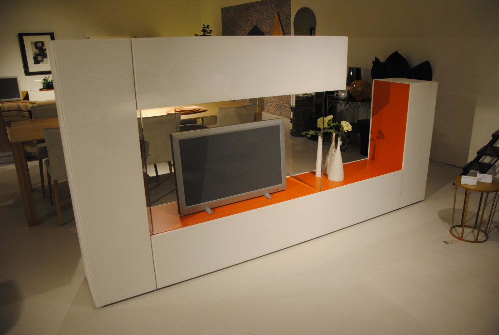 Outlet armoires cockaert for Tv meubel design outlet